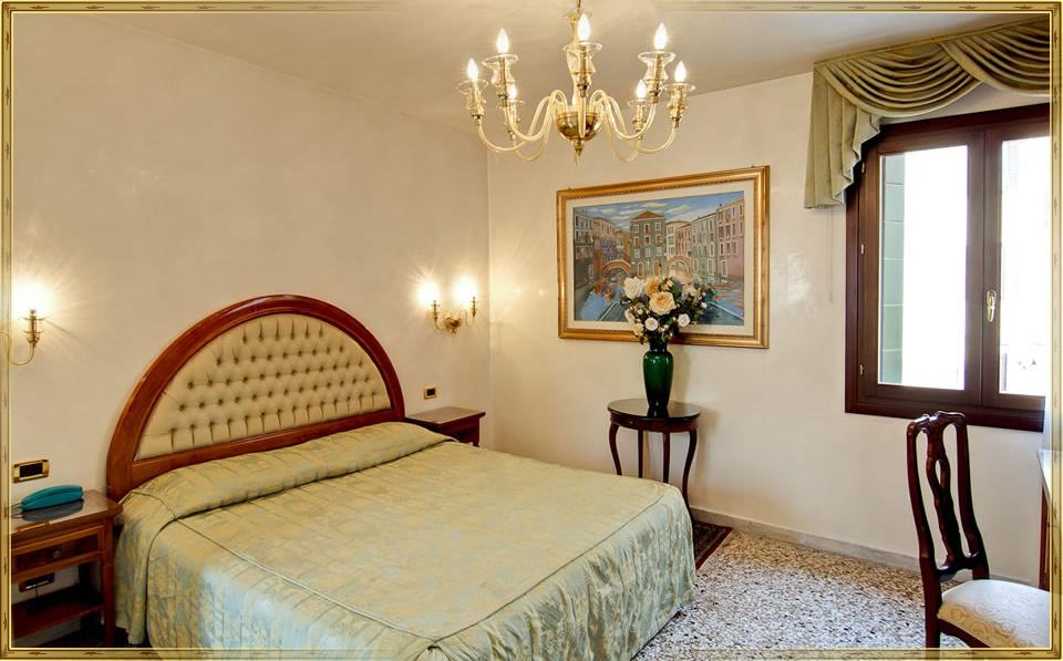 Hotel Antica Casa Carettoni Venice Official Site 3 Star Hotel